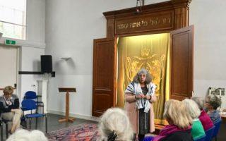 synagoge_115_de_voorhang