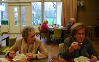 tilb mater misericordiae lunch 1504